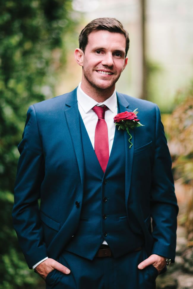 Groom in a navy suit with red tie {via weddingideasmag.com} | The ...