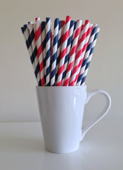 Red and navy paper straws - www.etsy.com/shop/PuppyCatCrafts