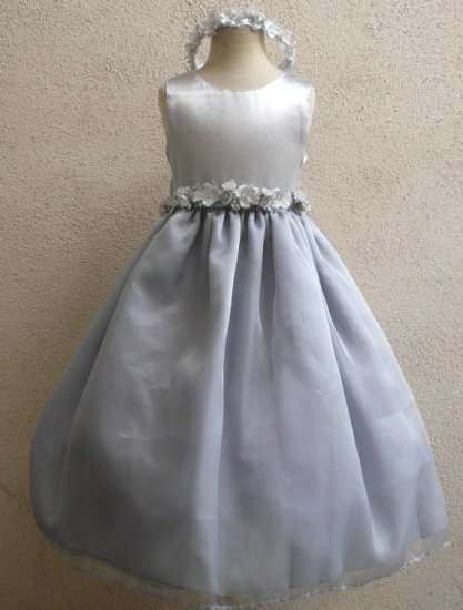 Silver flower girl dress - www.etsy.com/shop/LuuniKids