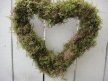 Moss wreath - www.etsy.com/shop/donnahubbard