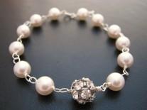 Bridal bracelet - www.etsy.com/shop/cleobelle
