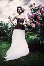Burgundy and white wedding dress - www.etsy.com/shop/CathyTelle