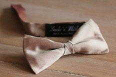Taupe silk bow tie - www.etsy.com/shop/Smokenwhisky