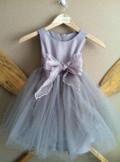 Grey flower girl dress - www.etsy.com/shop/jimandbettys