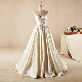 Wedding dress US$418 - www.etsy.com/shop/WedLockTimeslessShop