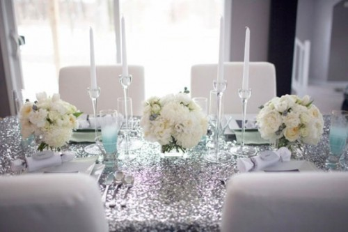 Silver and white table setting idea via exquisitegirl.com & Silver and white table setting idea via exquisitegirl.com | The ...