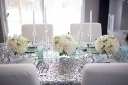 Silver and white table setting idea {via exquisitegirl.com}