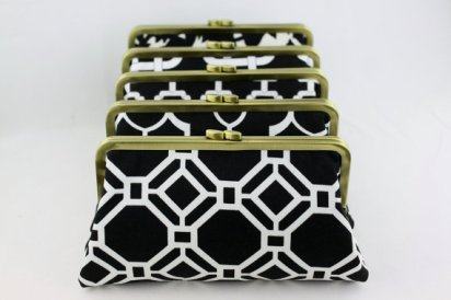 Black and white bridesmaid clutch purses - www.etsy.com/shop/FAbridal