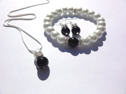 Black and white pearl jewellery set - www.etsy.com/shop/StunningGemsJewelry