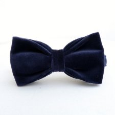Midnight blue groom's bow tie - www.etsy.com/shop/moaningminnie
