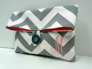 Monogrammed bridesmaid clutch purse - www.etsy.com/shop/BagsByLora