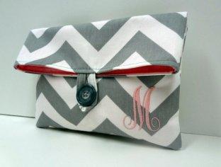 Monogrammed bridesmaid clutch purse - www.etsy.com/shop/BagsByLora