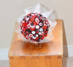 Black, white and red button bouquet - www.etsy.com/shop/ButtonsandBoys