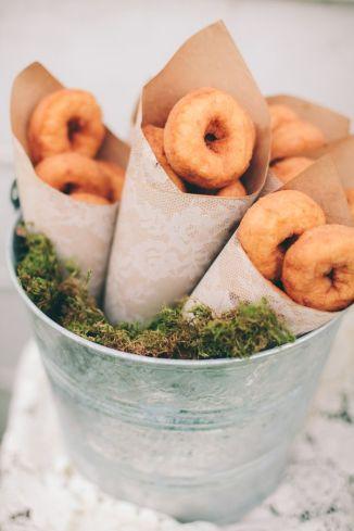 Mini donut favours {via ruffledblog.com}