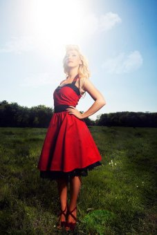 Red and black Rockabilly-style bridesmaid dress - www.etsy.com/shop/DyStyle
