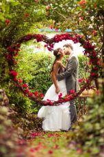 Vine and flower heart {via afloral.com}