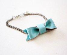 Light blue bracelet - www.etsy.com/shop/Akamatra