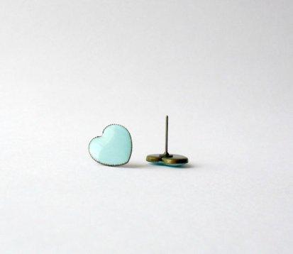 Mint heart earrings - www.etsy.com/shop/DivineDecadance