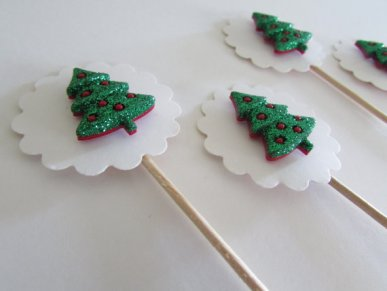 Christmas tree cupcake toppers - www.etsy.com/shop/eFowCreations
