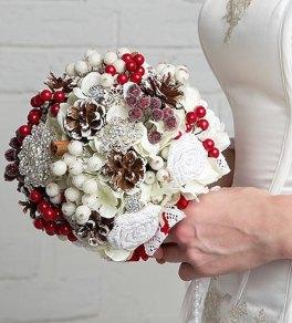 Christmas wedding brooch bouquet - www.etsy.com/shop/JewelryBouquet