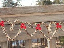 Hearts vine garland - www.etsy.com/shop/JCBees
