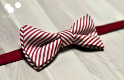 Red and white striped men's bow tie - www.etsy.com/shop/BlueberryGroup
