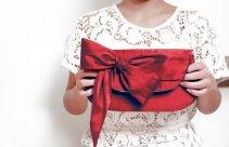 Red clutch purse - www.etsy.com/shop/eclu