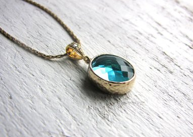Teal and gold necklace - www.etsy.com/shop/ThreeMineBlessings