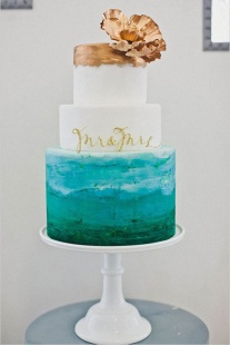 Teal and gold wedding cake inspiration {via wanthatwedding.co.uk}