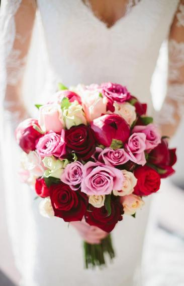 Burgundy and pink bouquet inspiration {via ru.weddbook.com}