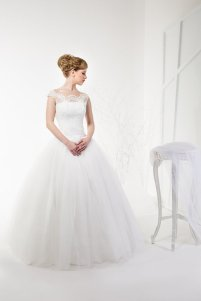 Lace and tulle wedding gown $320 - www.etsy.com/shop/TashaWeddingStudio