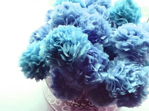 Cornflower blue tissue paper pompoms - www.etsy.com/shop/insidemynest