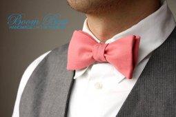 coral bow tie - www.etsy.com/shop/boombowtie