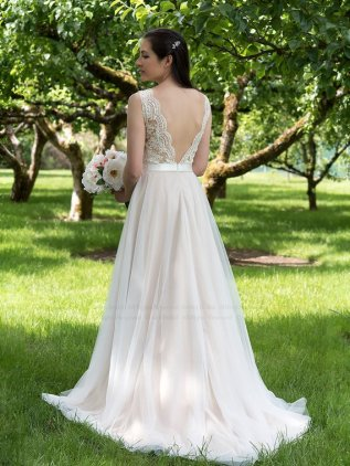 Dress available from https://www.etsy.com/nz/listing/385355330/wedding-dress-lace-wedding-dress-boho?ga_order=most_relevant&ga_search_type=all&ga_view_type=gallery&ga_search_query=&ref=sr_gallery-1-1&ep_click=1&pro=1