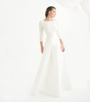 Dress available from https://www.etsy.com/nz/listing/260517467/floor-length-off-white-silk-taffeta?ga_order=most_relevant&ga_search_type=handmade&ga_view_type=gallery&ga_search_query=&ref=sr_gallery-2-2