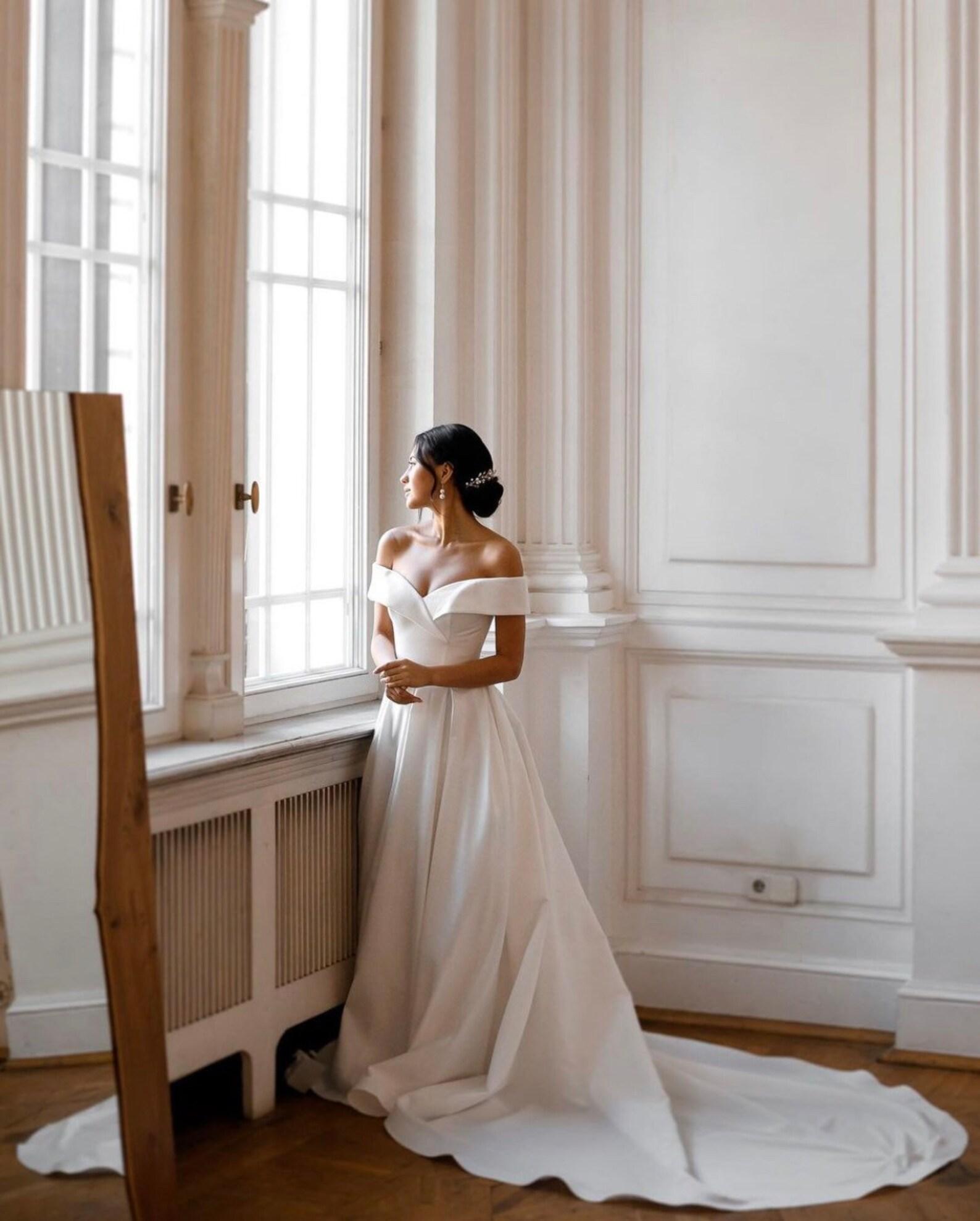 Classic minimalist wedding dress