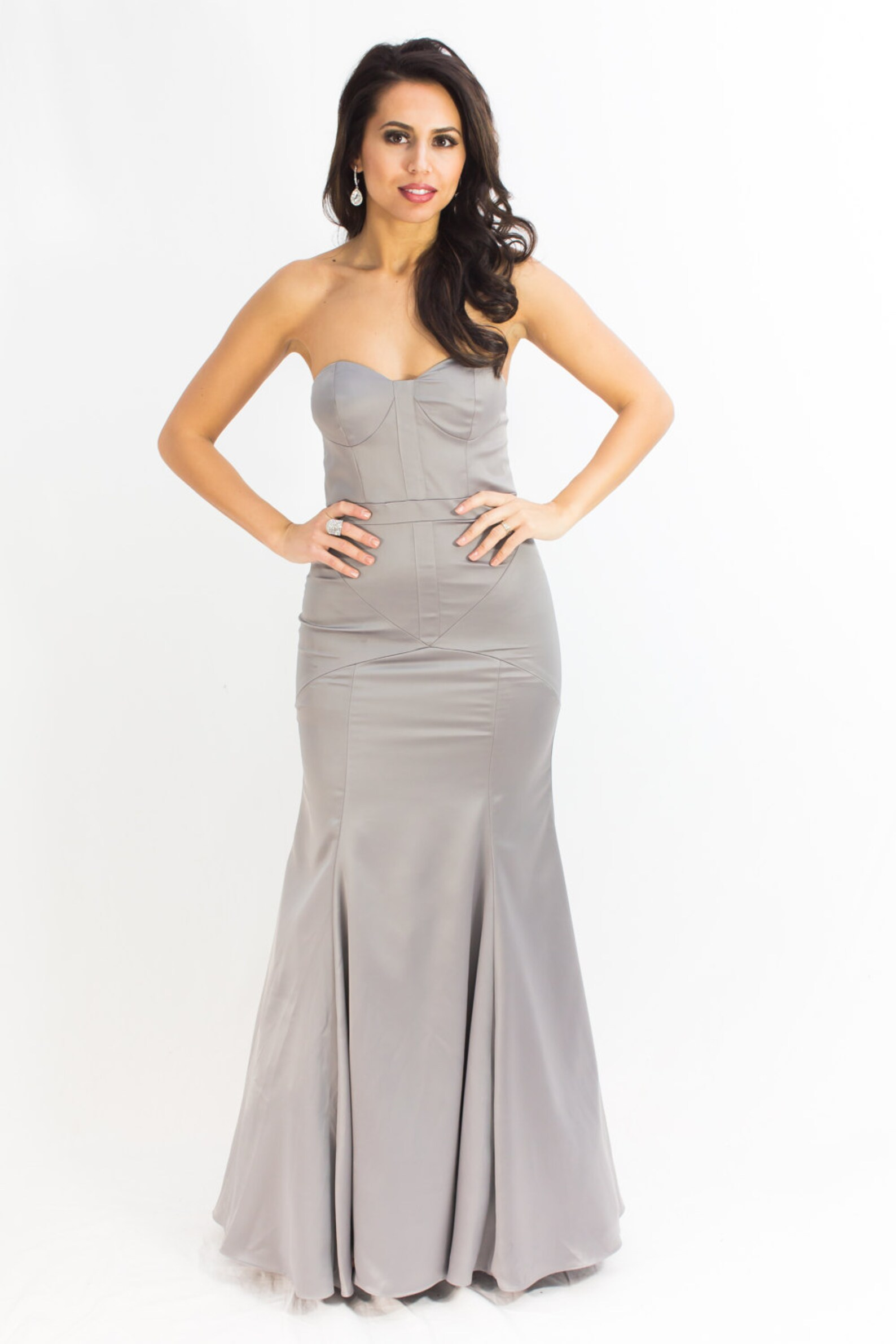 Fitted curve-hugging bridesmaid dress