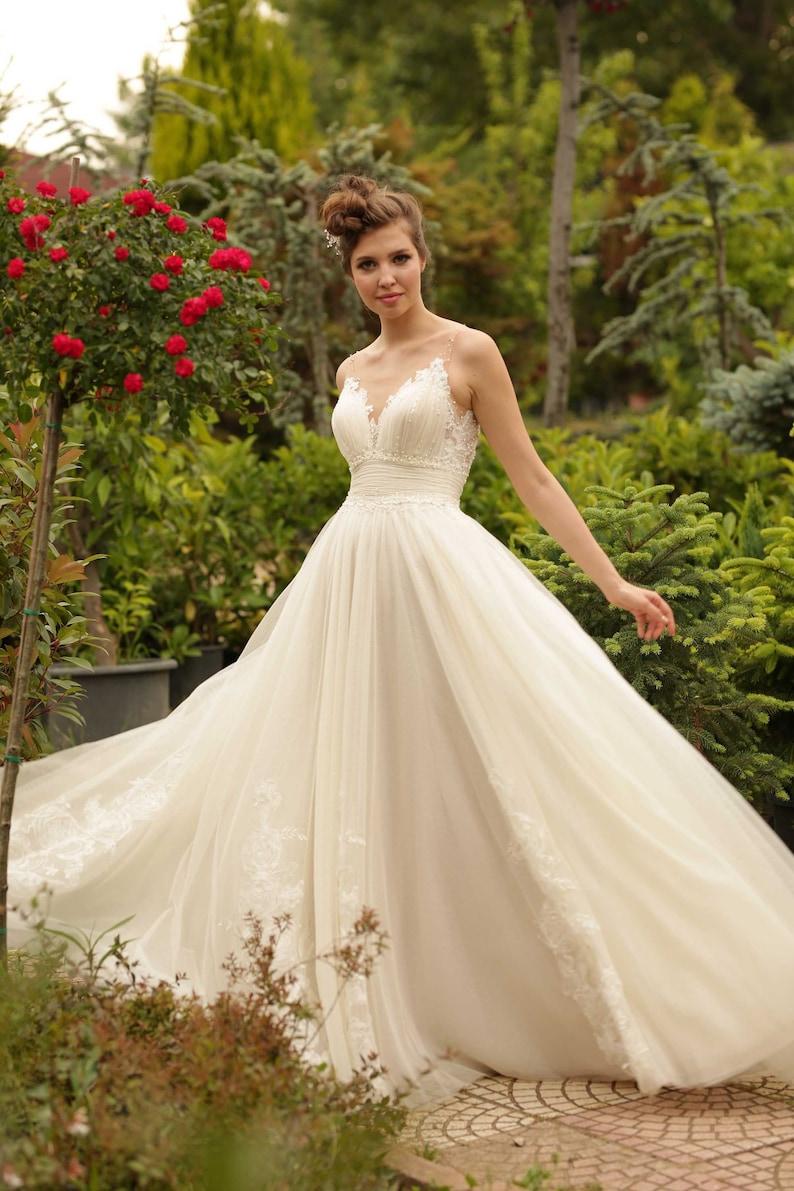 Luxury full-skirt boho wedding dress