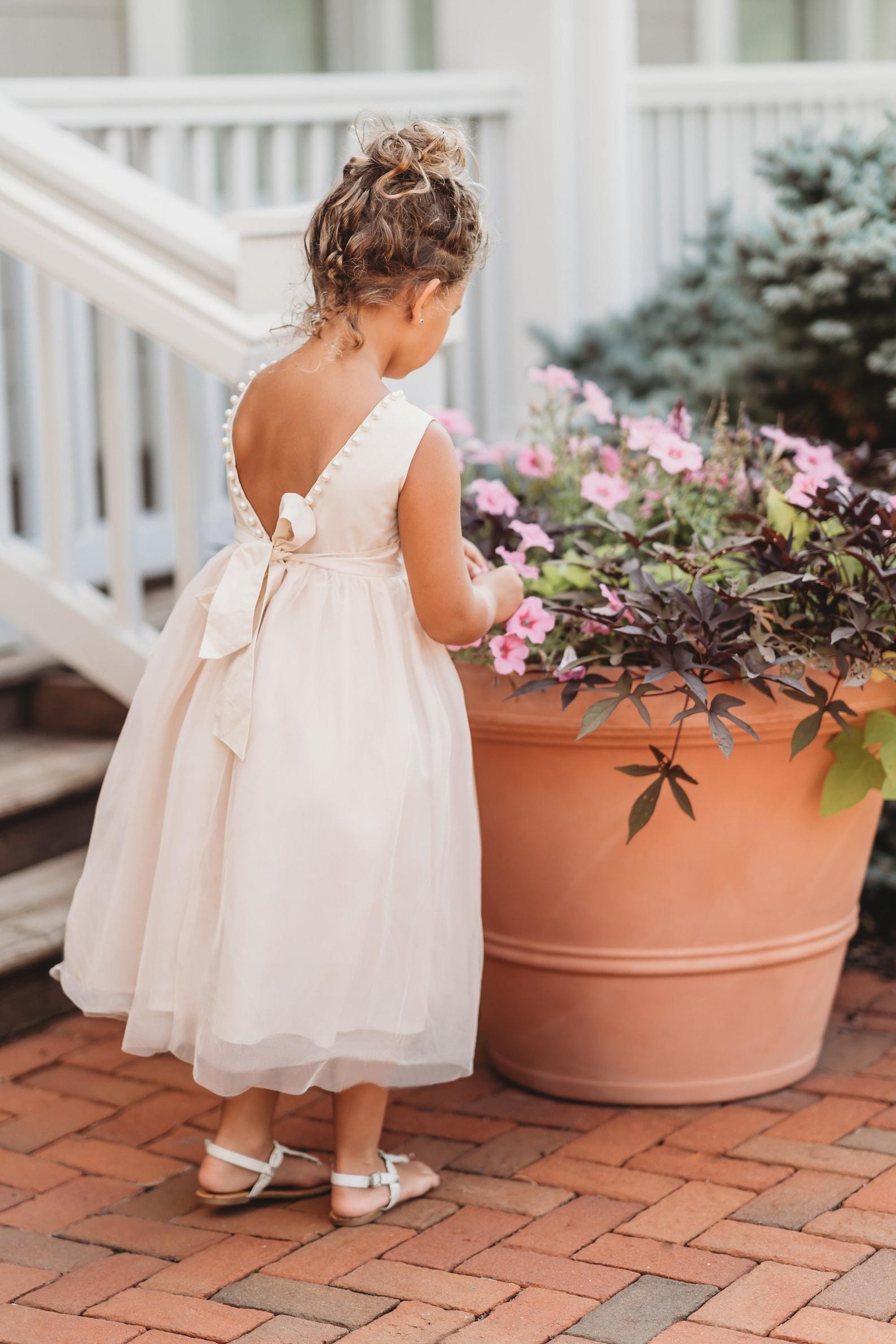 Elegant tulle flower girl dress